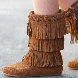 Minnetonka Fringe Boots size 4 three layered